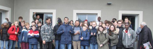 Rencontre entre collégiens de Tinchebray et jeunes migrants de Domfront
